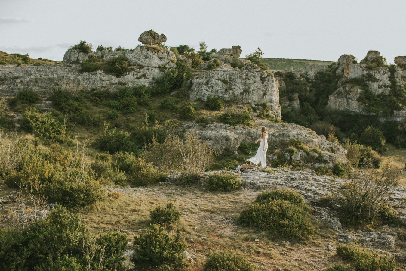Bohemian wedding inspiration photography Larsac landscape