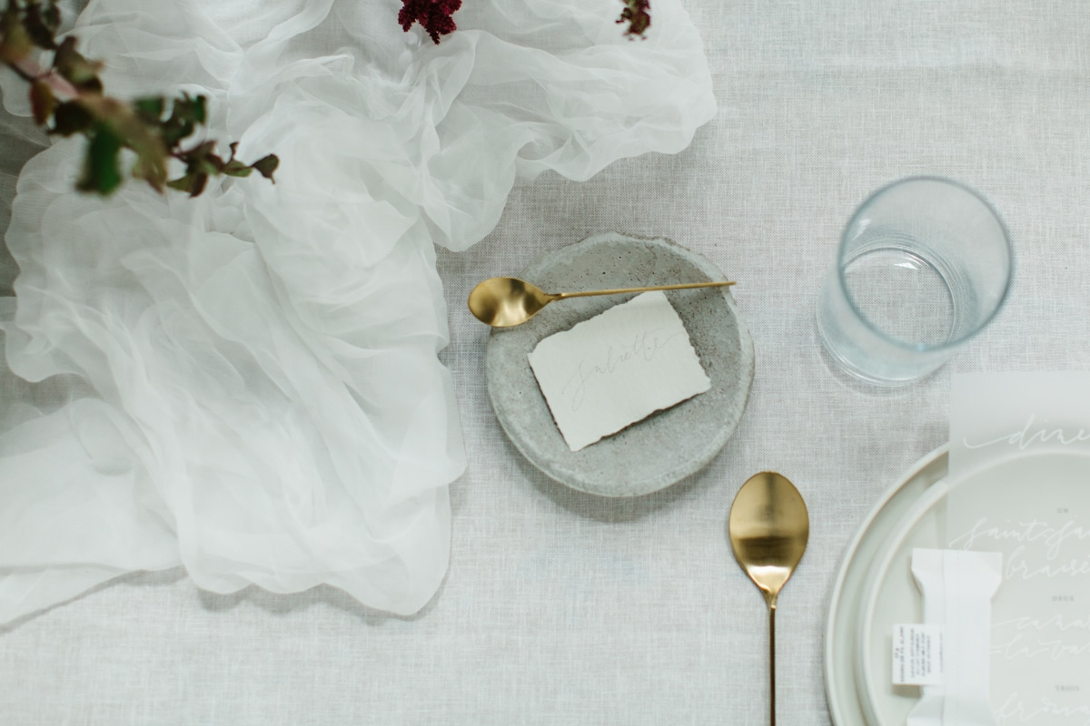 Minimalist wedding inspiration photoshoot tablescape