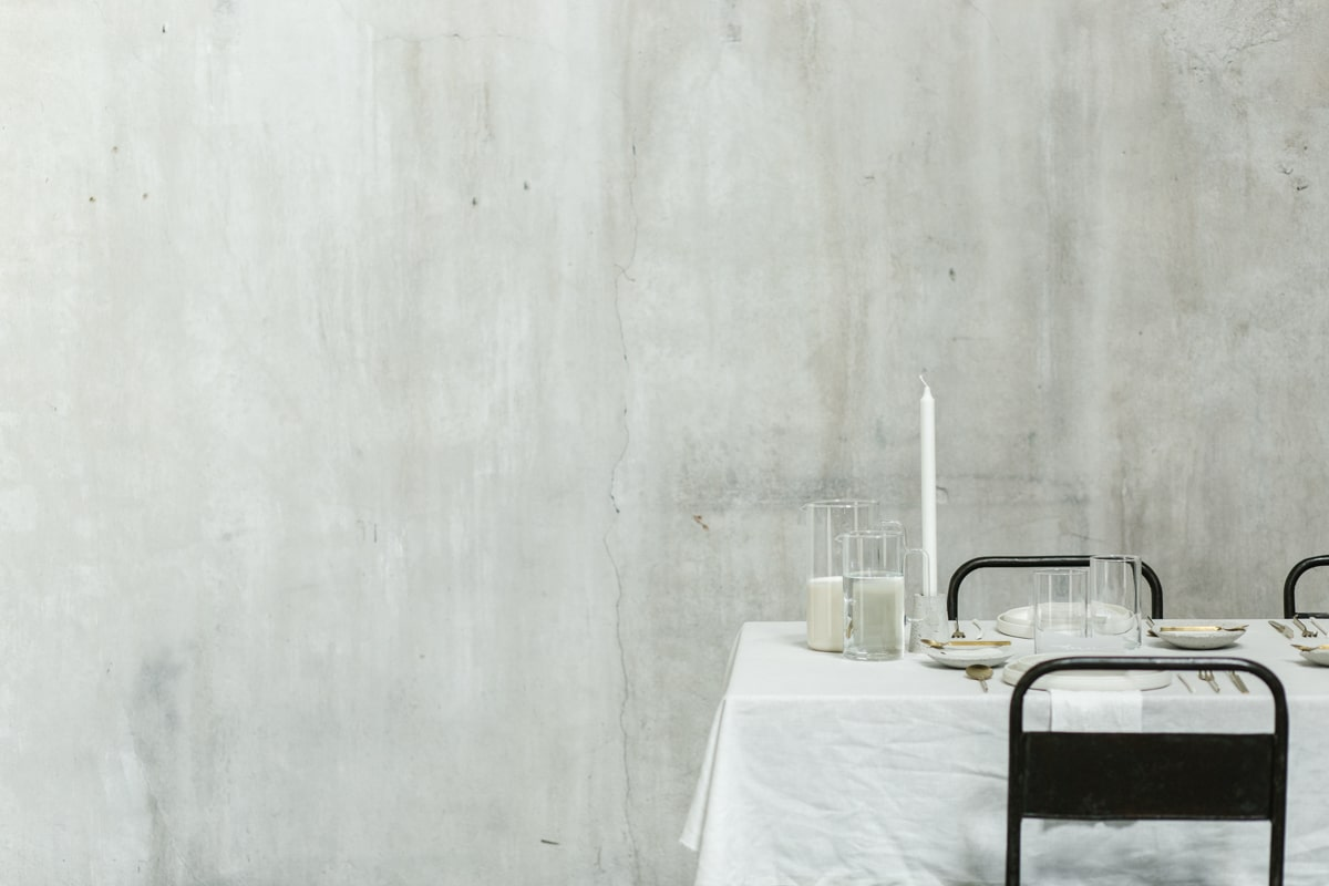 Minimalist wedding inspiration photoshoot table